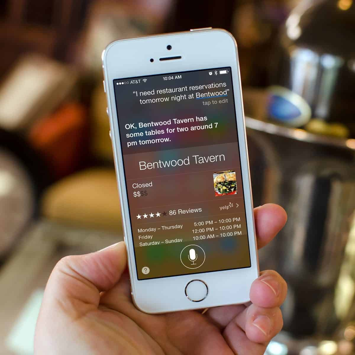 Making restaurant reservations with Siri