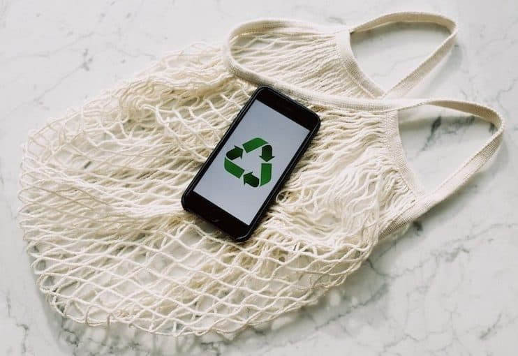 cloth bag with mobile phone with recycle symbol