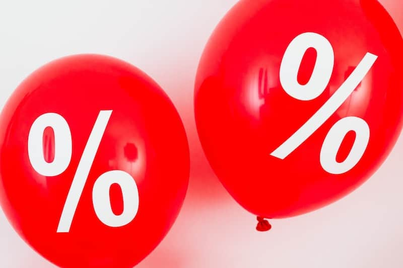 red discount balloons